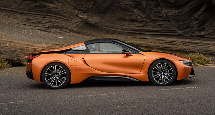 BMW i8 Convertible side 2