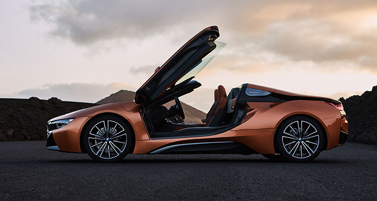 BMW i8 Convertible side 3
