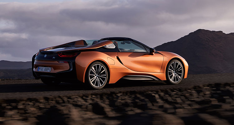 BMW i8 Convertible side 4