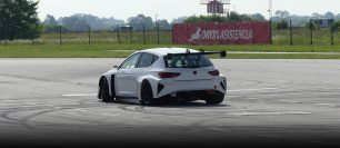 Cupra tests new e-Racer