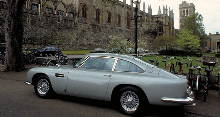 ASTON MARTIN DB5 JAMES BOND GOLDFINGER 2
