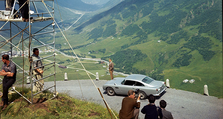 ASTON MARTIN DB5 JAMES BOND GOLDFINGER 3