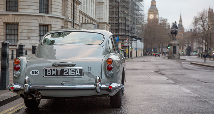 ASTON MARTIN DB5 JAMES BOND GOLDFINGER 6