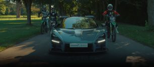 (VIDEO) McLaren Senna vs Motocross bikes
