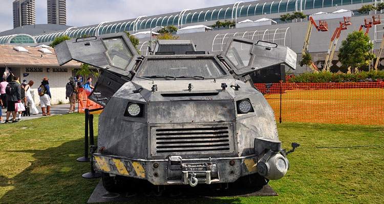 into the storm movie Titus storm chaser vehicle front