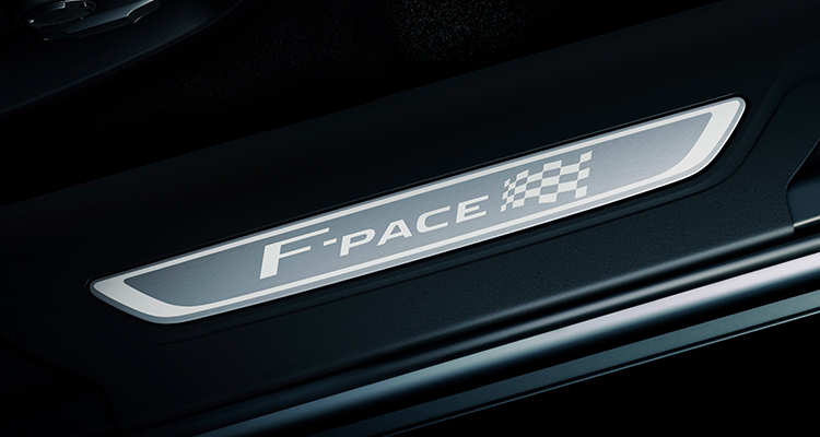 Jaguar F-PACE 20MY Chequered Flag F-Pace badge 1