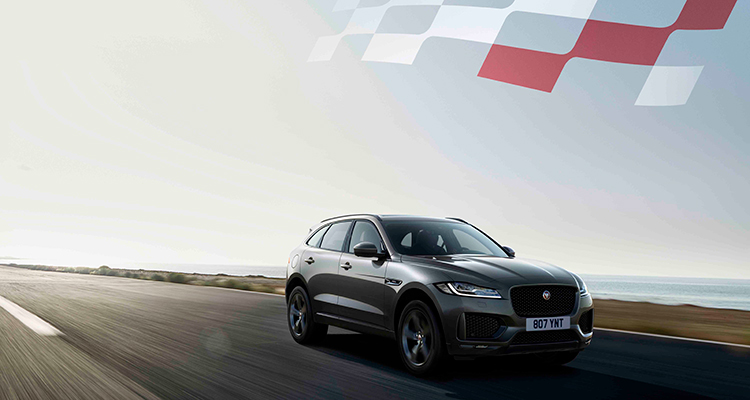 Jaguar F-PACE 20MY Chequered Flag front side 1