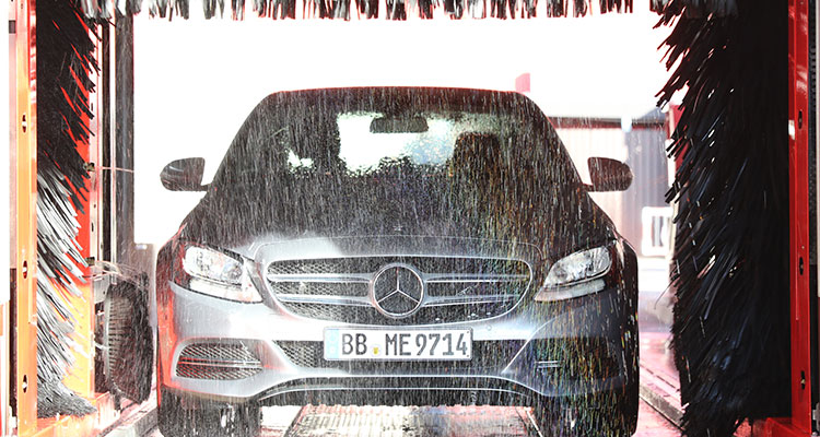 5 Things Not To Do When Washing Your Car (4)