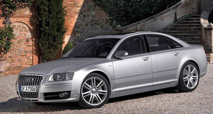 This 2006 Audi S8 Has A V10 Lambo Engine