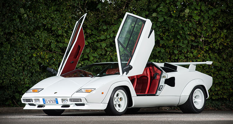 10 Cars You're Definitely Pronouncing Wrong - Lamborghini Countach (3)