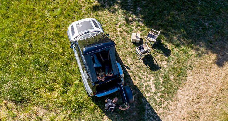 Land Rover Defender Gets A Luxurious Bespoke Roof Tent